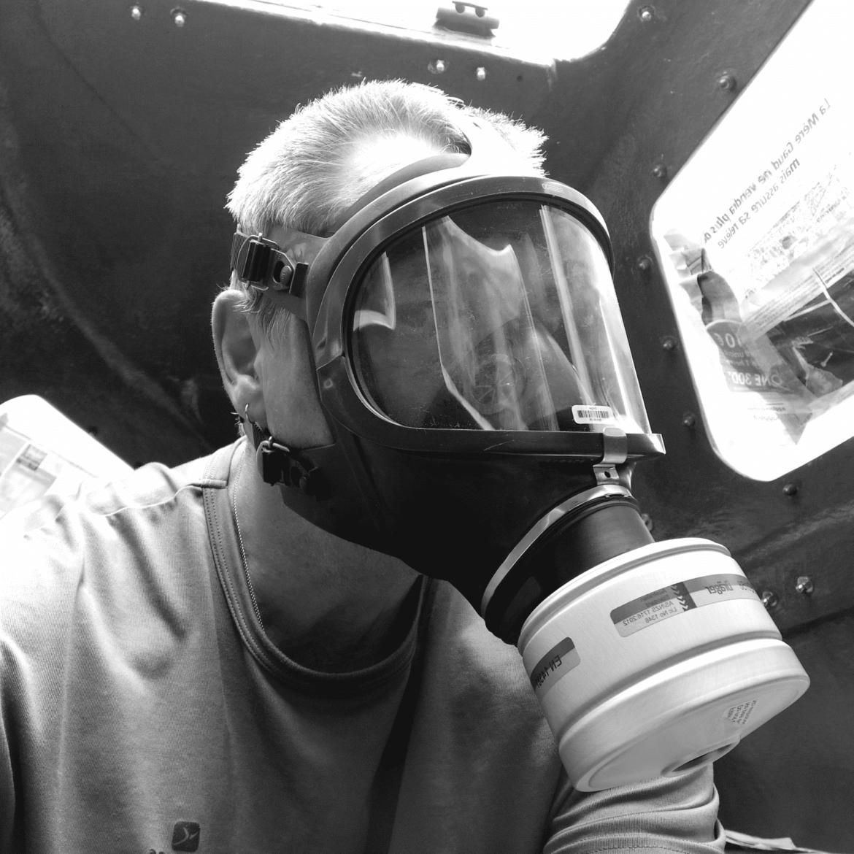 Didier Bovard avec son masque de confinement